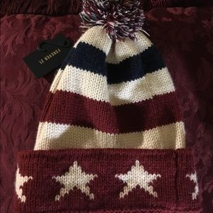 Forever 21 NWT Stars and Stripes Beanie Cozy Warm